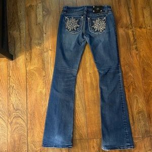 Gorgeous Miss Me midrise boot jeans